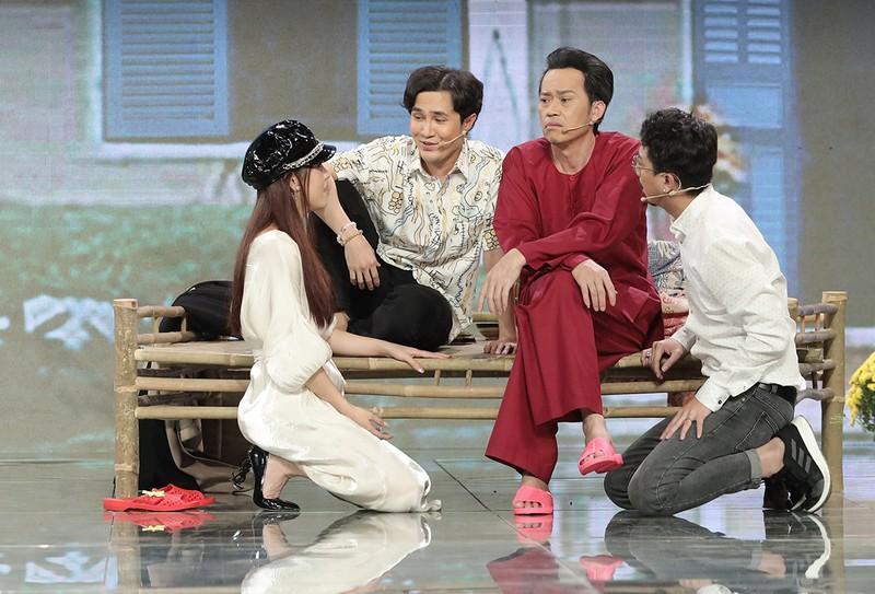 Hoài Linh tái xuất với tạo hình rapper BinZ tại Sóng 21 Ảnh 3