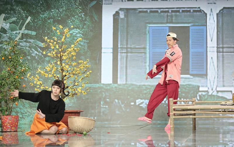 Hoài Linh tái xuất với tạo hình rapper BinZ tại Sóng 21 Ảnh 4