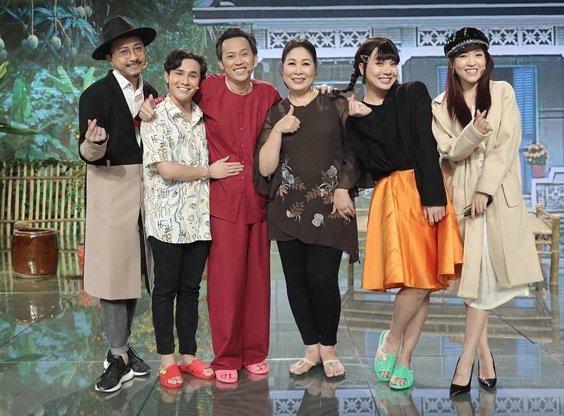 Hoài Linh tái xuất với tạo hình rapper BinZ tại Sóng 21 Ảnh 2