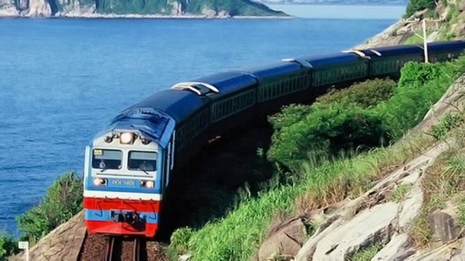 Đường sắt tiếp tục giảm 30% giá vé tàu Tết, tăng cường phòng, chống dịch Ảnh 1