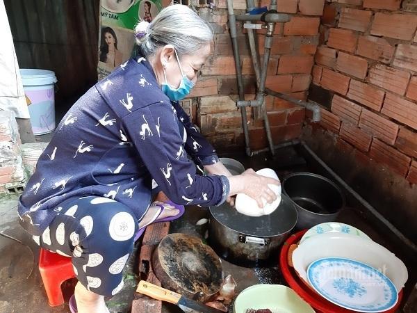Bà ngoại rửa bát thuê xin giúp cháu suy thận, suy tim vơi đau đớn Ảnh 3