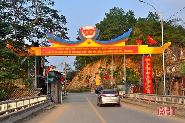 Xã hội hóa đường điện 'Thắp sáng đường quê' hơn 500 triệu đồng ở Hương Sơn Ảnh 3