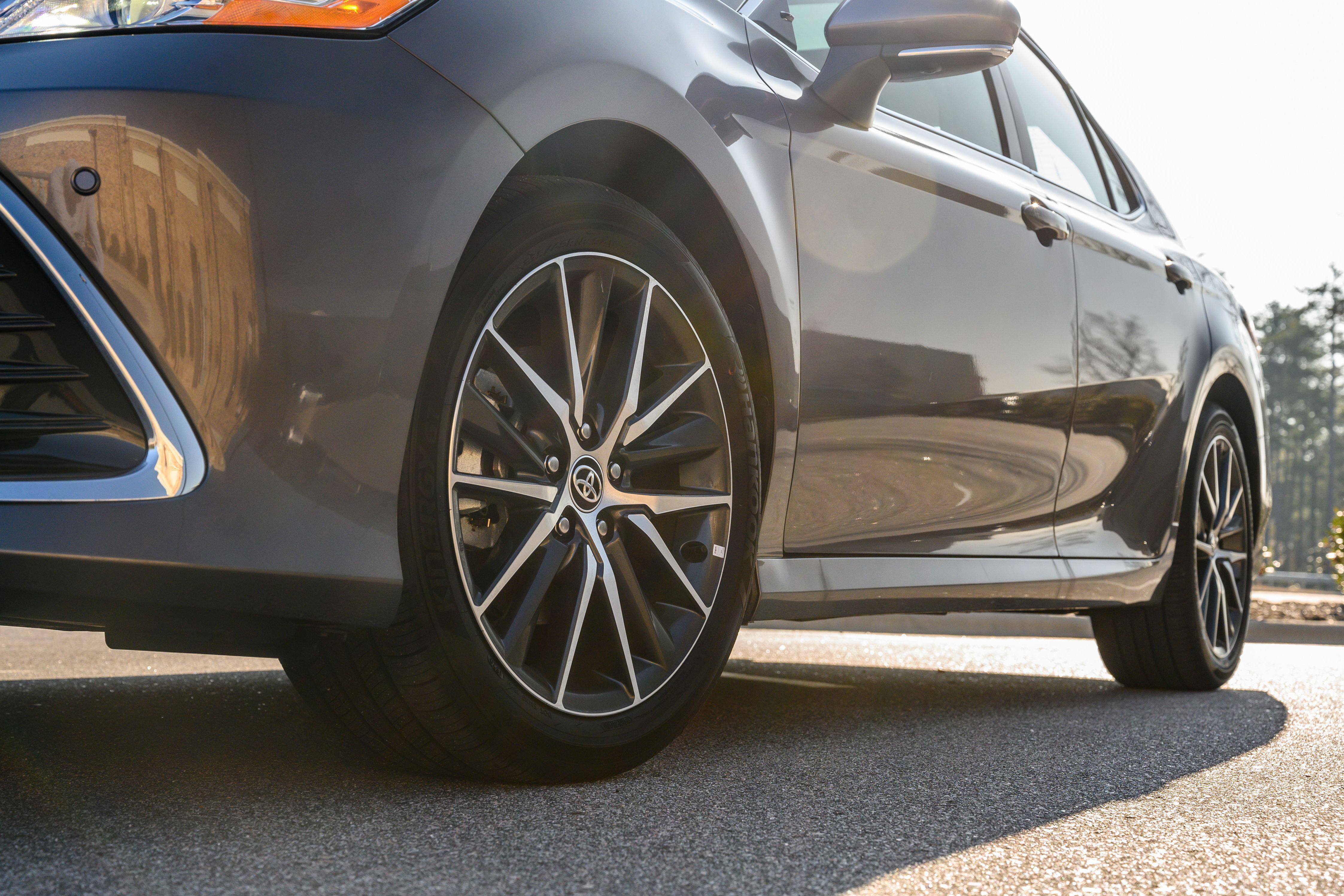 Toyota Camry AWD 2021 – vận hành linh hoạt với dẫn động 4 bánh Ảnh 7