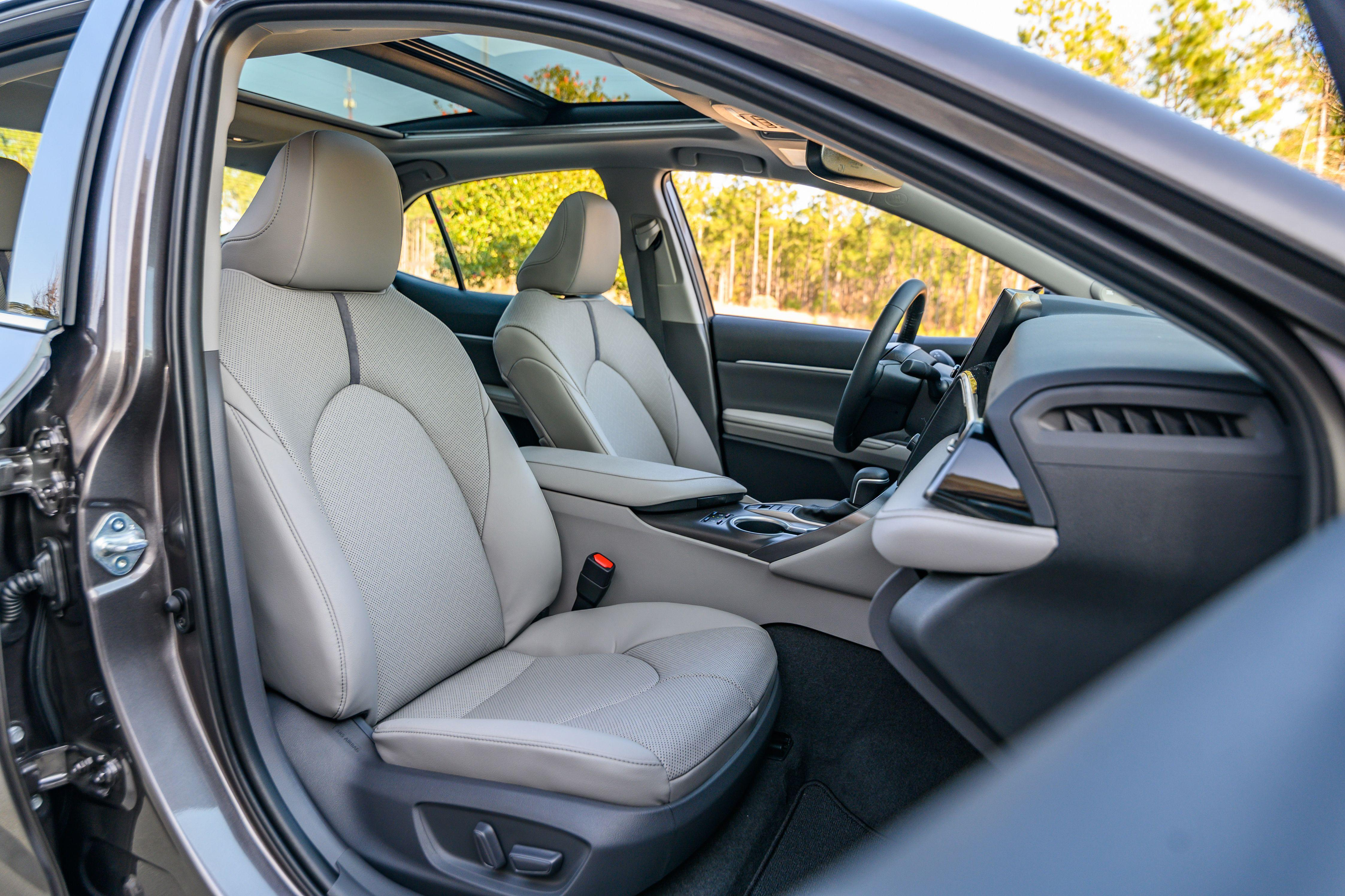 Toyota Camry AWD 2021 – vận hành linh hoạt với dẫn động 4 bánh Ảnh 11