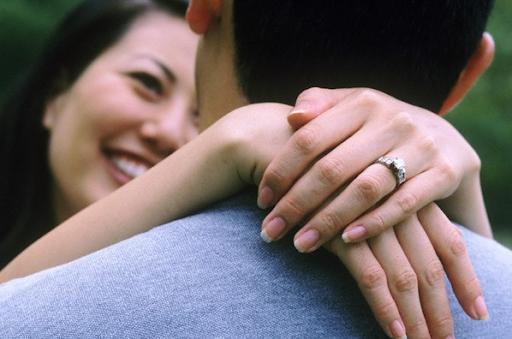 'Cứ lấy vợ đi rồi sẽ sáng mắt ra' Ảnh 1
