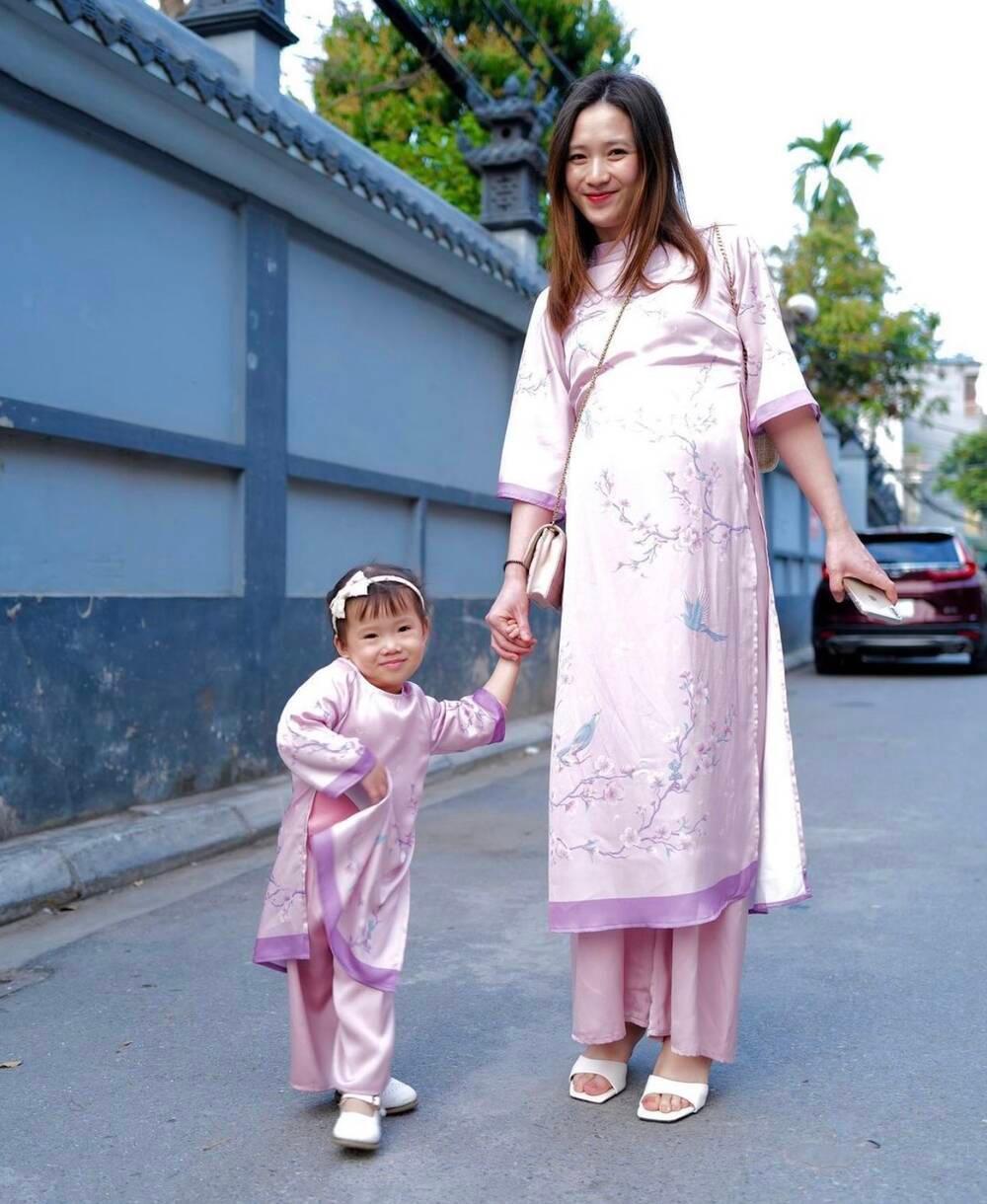Đang mang bầu con thứ hai, bà xã JustaTee vẫn tự tin khoe nhan sắc đỉnh cao dịp Tết Ảnh 2