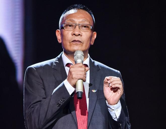 MC Lại Văn Sâm từng bật khóc khi nói lời chia tay chương trình 'Ai là triệu phú' Ảnh 2