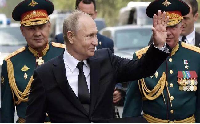 Tại sao Tổng thống Putin lại không mang hàm tướng? Ảnh 1