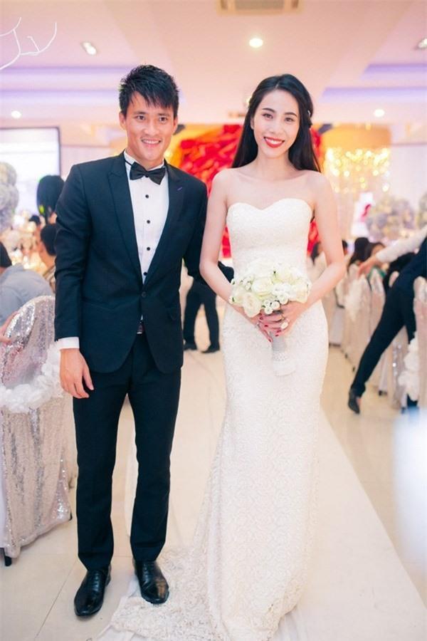 'Cặp đôi tuổi Sửu' Công Vinh – Thủy Tiên: Yêu đến cưới đáng ngưỡng mộ Ảnh 9