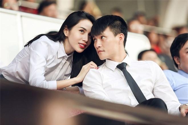 'Cặp đôi tuổi Sửu' Công Vinh – Thủy Tiên: Yêu đến cưới đáng ngưỡng mộ Ảnh 6
