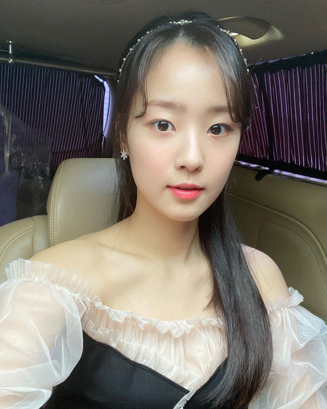 Nhan sắc đời thường của ác nữ 'Penthouse' Choi Ye Bin Ảnh 4