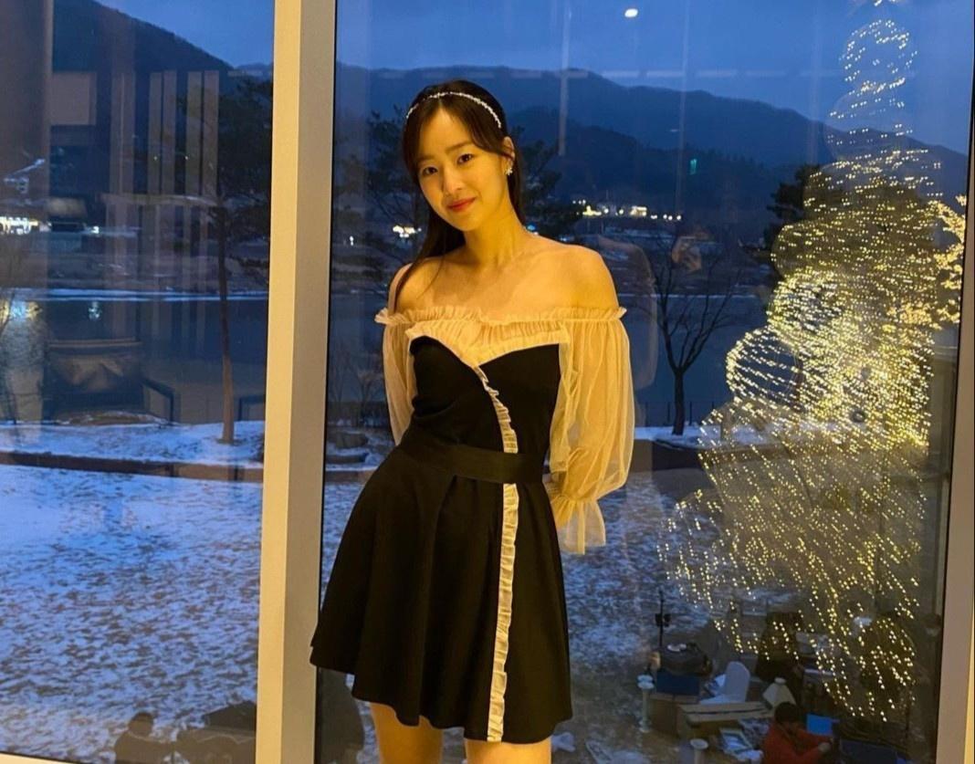 Nhan sắc đời thường của ác nữ 'Penthouse' Choi Ye Bin Ảnh 2