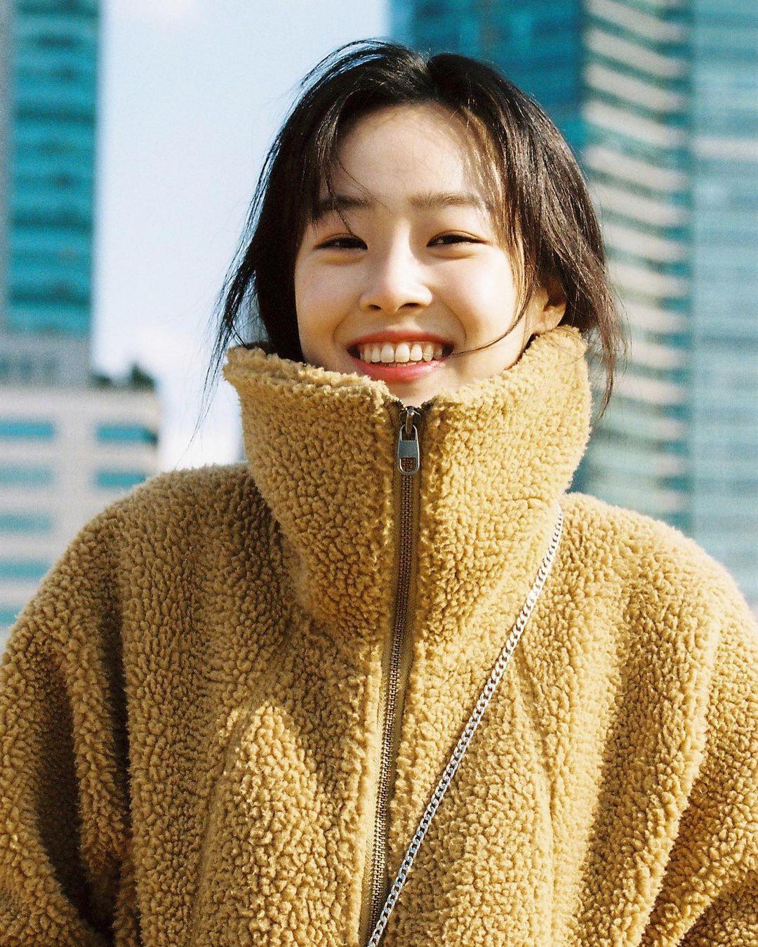 Nhan sắc đời thường của ác nữ 'Penthouse' Choi Ye Bin Ảnh 6