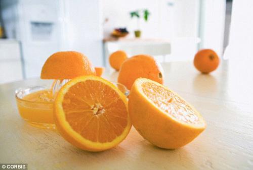 Nước cam giúp người già cải thiện trí nhớ Ảnh 1