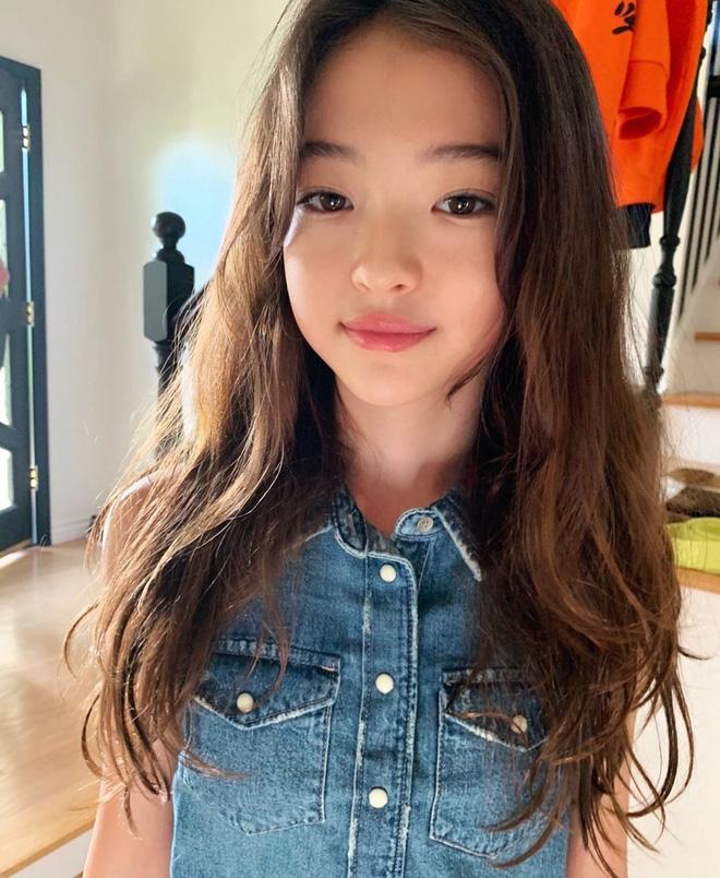 'Mẫu nhí đẹp nhất thế giới' cũng không thoát khỏi lời nguyền con gái lúc lên Instagram và khi về nhà Ảnh 5