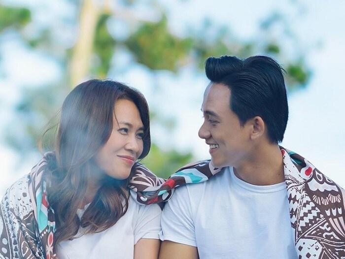 Showbiz Việt: Mối tình chị - em vẫn hạnh phúc như thường Ảnh 1