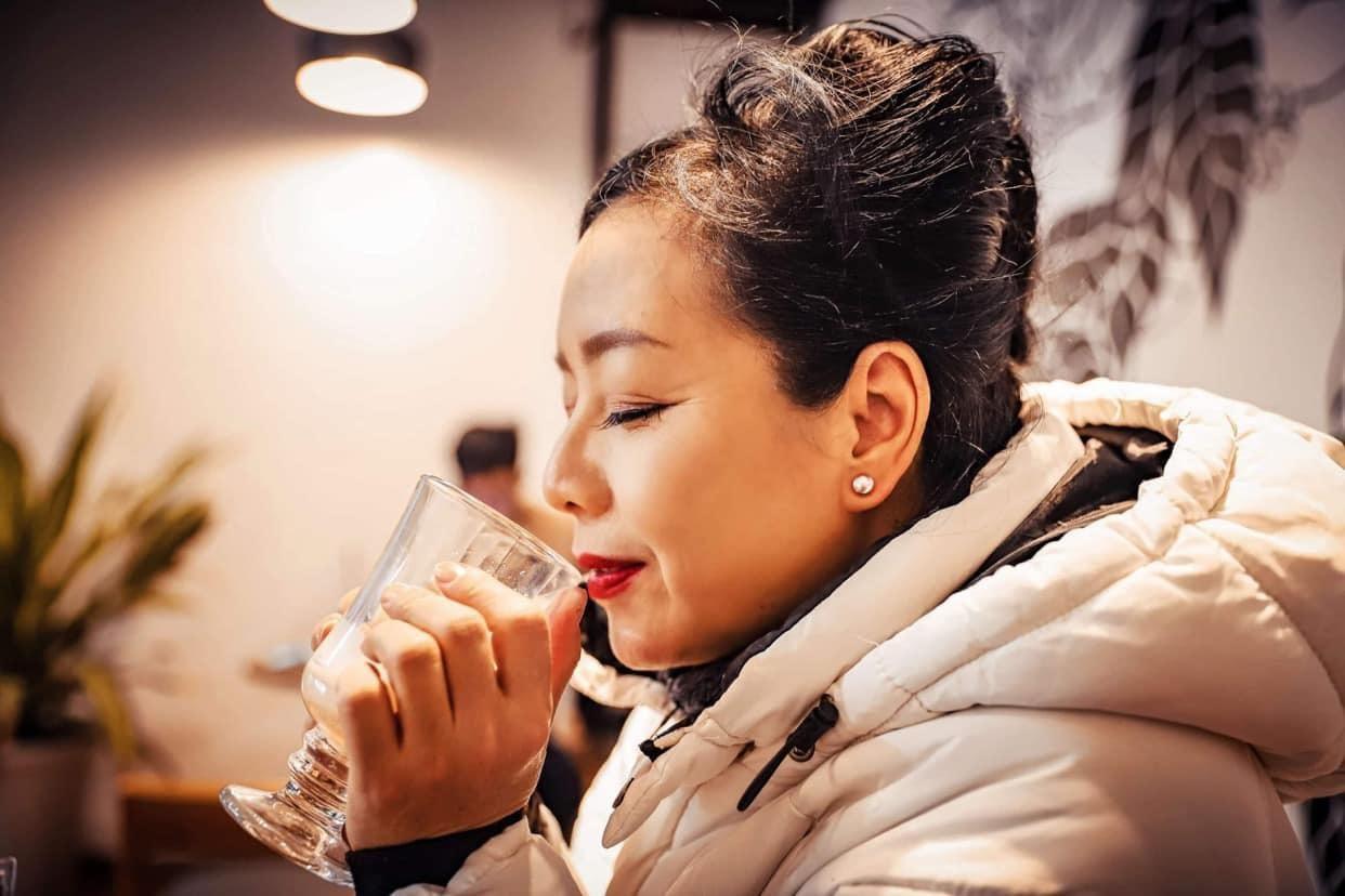 Quỳnh Kool tuổi 26 đẹp trong lành giữa nắng mai Ảnh 9