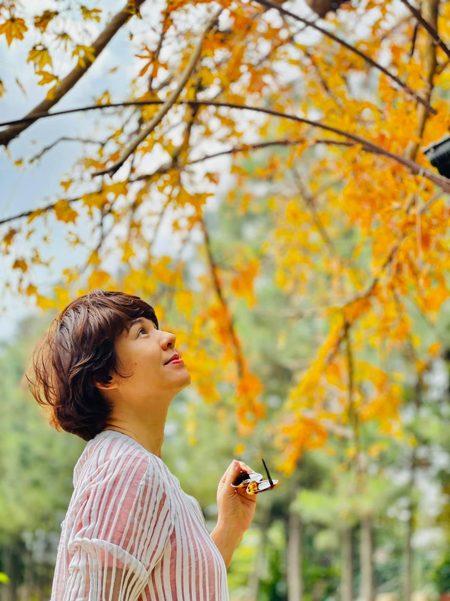 Quỳnh Kool tuổi 26 đẹp trong lành giữa nắng mai Ảnh 14