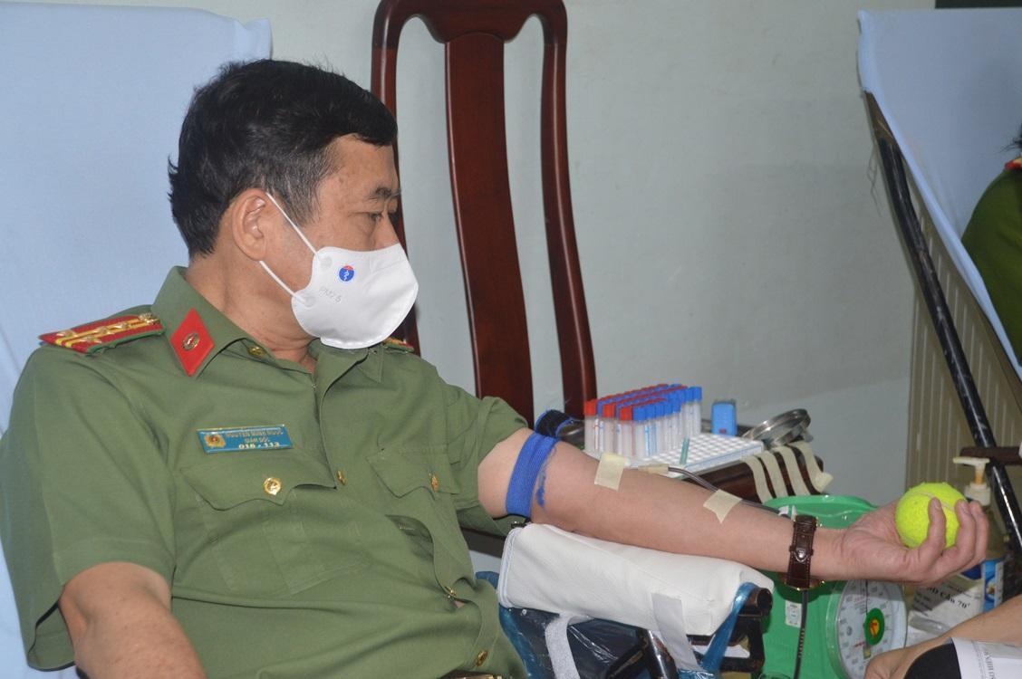 Công an tỉnh Sóc Trăng phát động phong trào hiến máu tình nguyện Ảnh 1