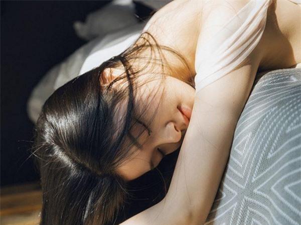 Phụ nữ có 3 dấu hiệu này chứng tỏ đã cạn tình trong hôn nhân, đàn ông tinh tế nên nhận ra sớm Ảnh 2