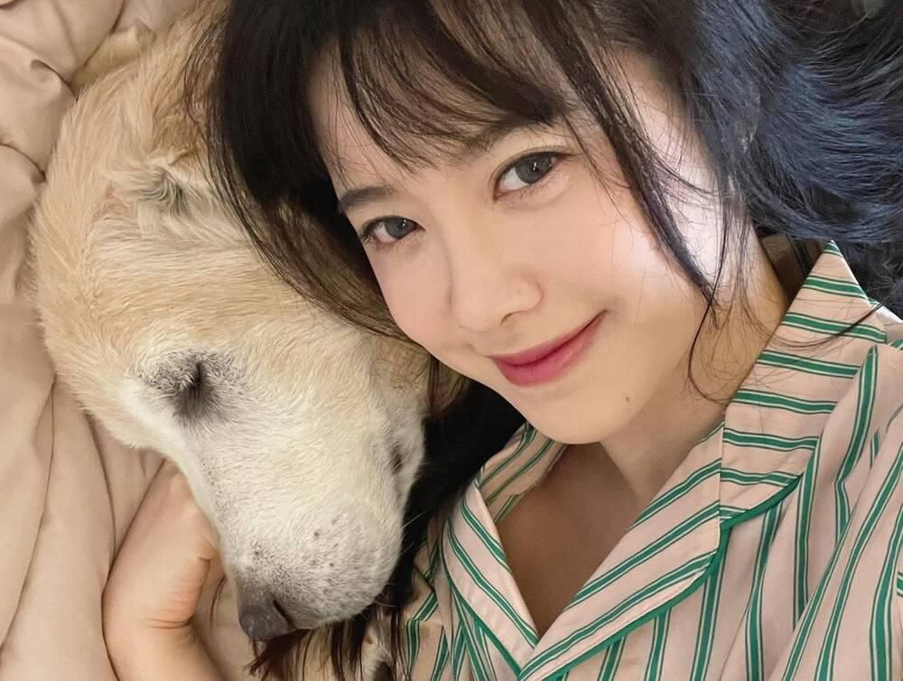 'Vợ chồng' Goo Hye Sun - Ahn Jae Hyun đọ sắc trên MXH: Trẻ đẹp hết phần thiên hạ! Ảnh 2