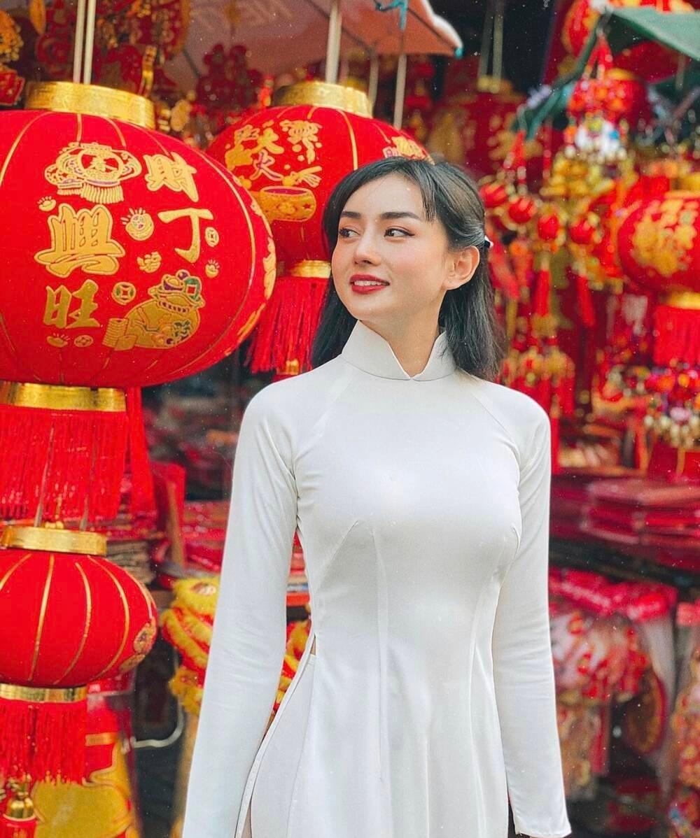 'Phạm Băng Băng phiên bản Việt' khoe chồng đại gia hơn 15 tuổi đầy điển trai Ảnh 8