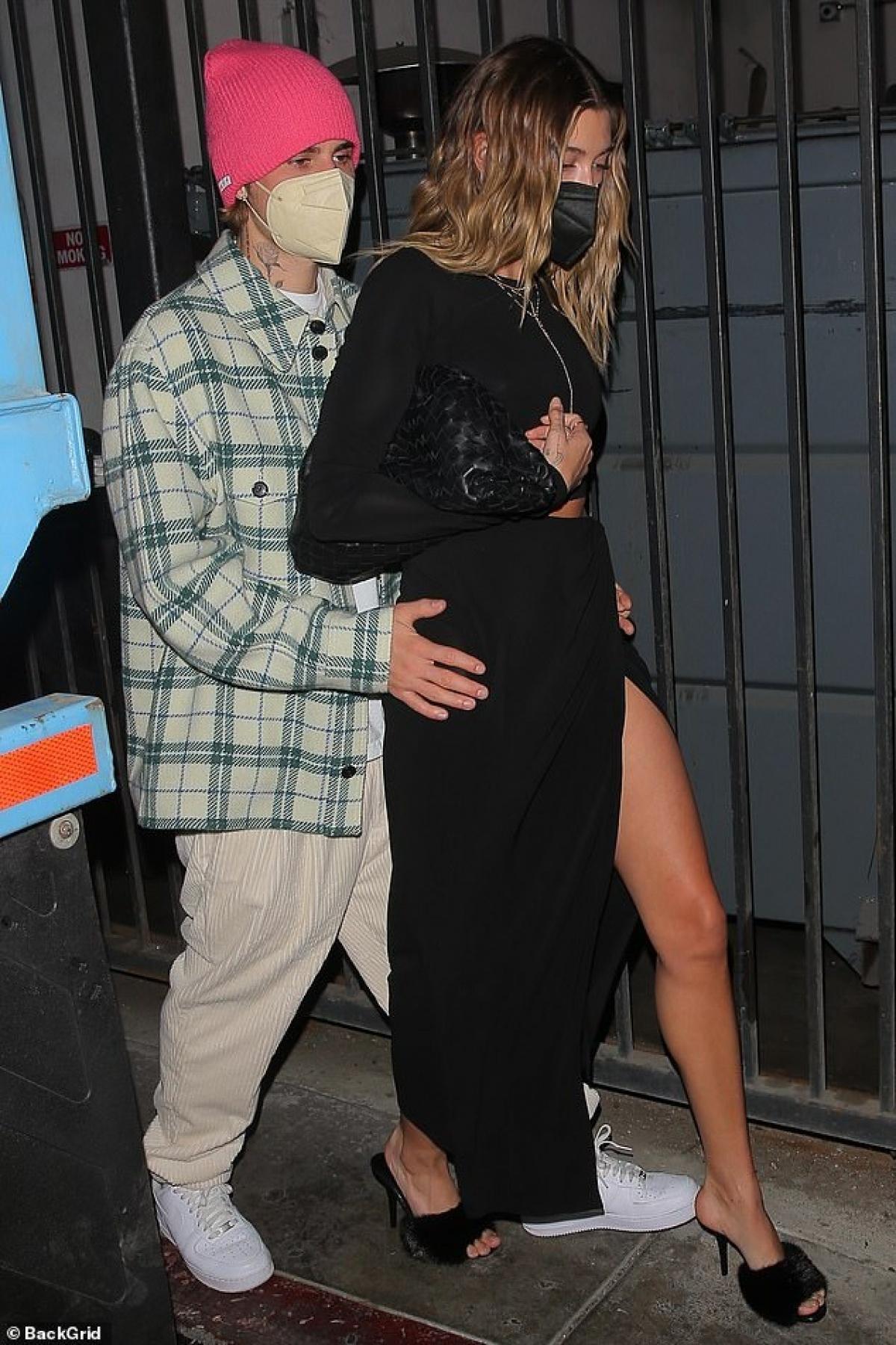 Justin Bieber đón sinh nhật sớm cùng vợ ở Pháp Ảnh 8