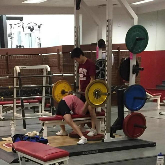 Khi phòng tập gym thành nơi tấu hài, xem xong chỉ muốn lao ngay đến phòng tập để hóng 'drama' Ảnh 20