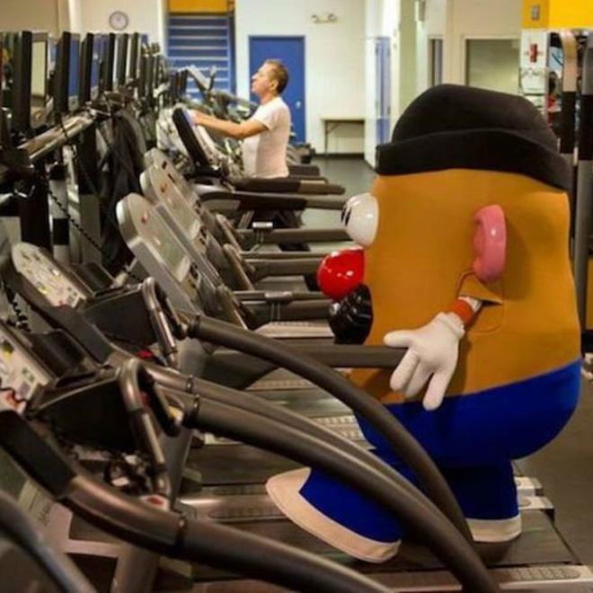 Khi phòng tập gym thành nơi tấu hài, xem xong chỉ muốn lao ngay đến phòng tập để hóng 'drama' Ảnh 12