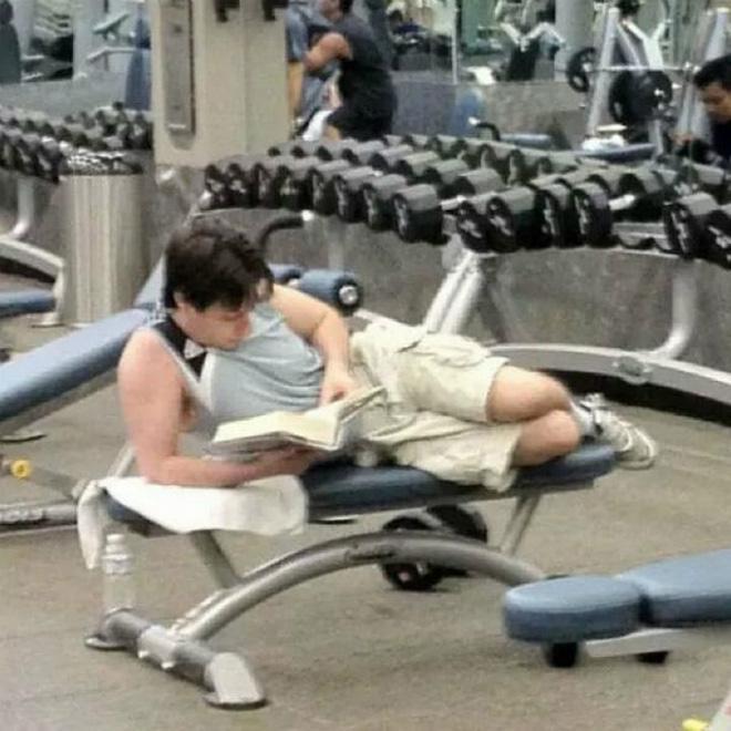 Khi phòng tập gym thành nơi tấu hài, xem xong chỉ muốn lao ngay đến phòng tập để hóng 'drama' Ảnh 18