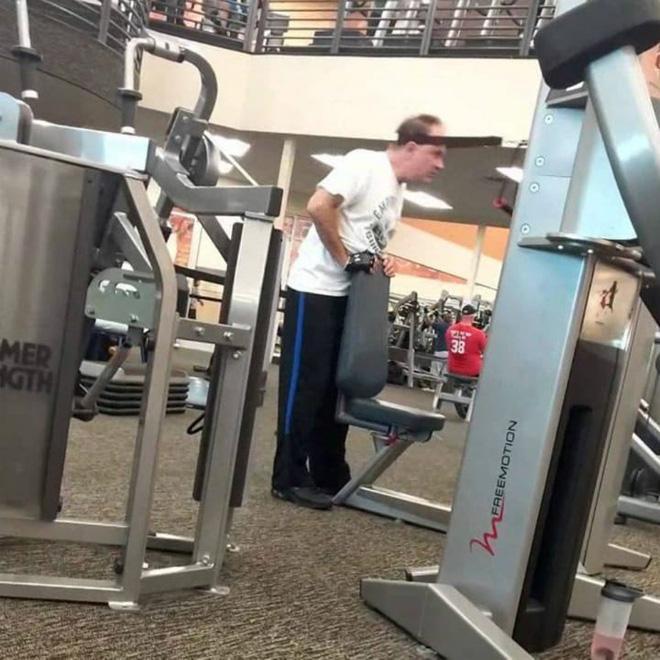 Khi phòng tập gym thành nơi tấu hài, xem xong chỉ muốn lao ngay đến phòng tập để hóng 'drama' Ảnh 16