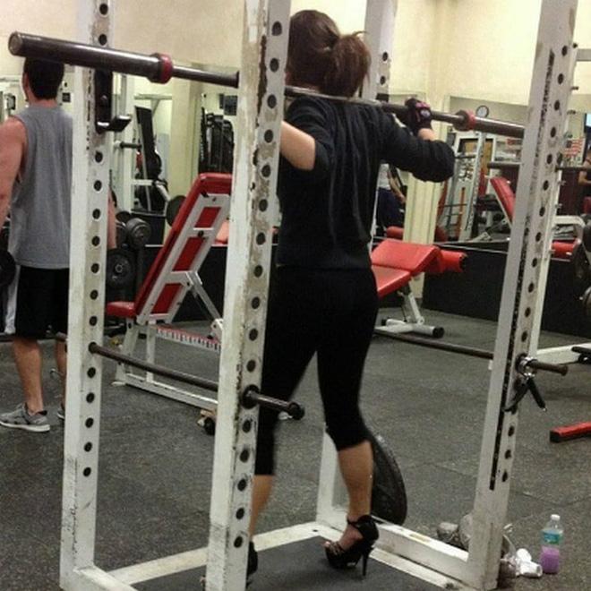 Khi phòng tập gym thành nơi tấu hài, xem xong chỉ muốn lao ngay đến phòng tập để hóng 'drama' Ảnh 9