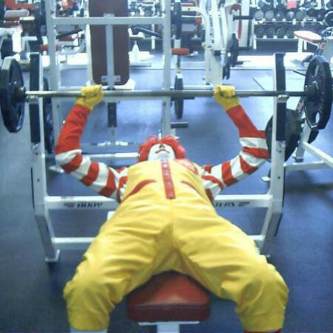 Khi phòng tập gym thành nơi tấu hài, xem xong chỉ muốn lao ngay đến phòng tập để hóng 'drama' Ảnh 2