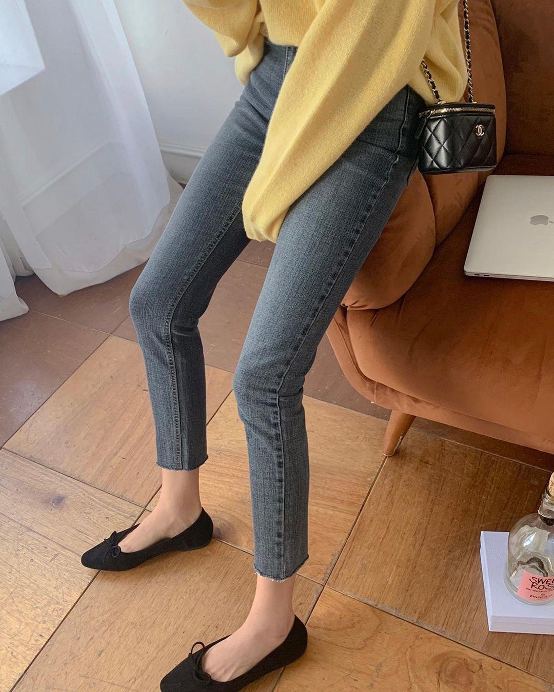 Kiểu giày búp bê hot nhất mùa Xuân: Diện với quần jeans hay váy đều xịn đẹp Ảnh 4