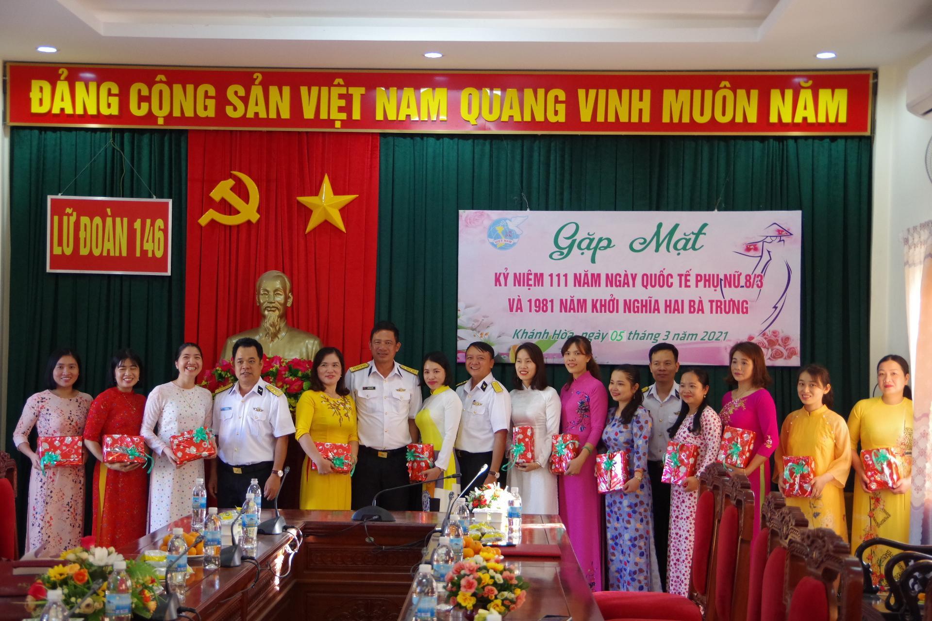 Đoàn Trường Sa gặp mặt kỷ niệm 111 năm Ngày Quốc tế Phụ nữ Ảnh 1