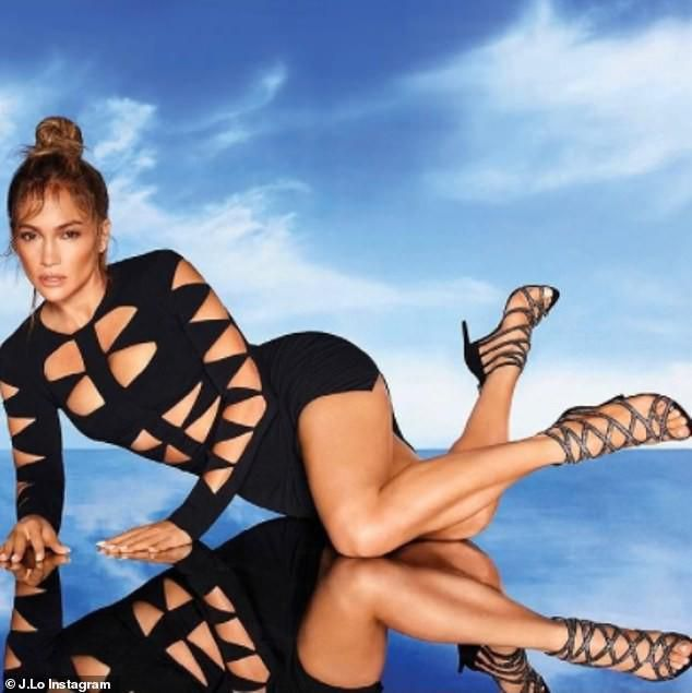 Jennifer Lopez mặn nồng hạnh phúc bên hôn phu kém 6 tuổi Ảnh 7