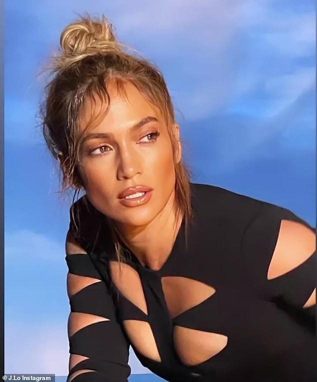 Jennifer Lopez mặn nồng hạnh phúc bên hôn phu kém 6 tuổi Ảnh 8