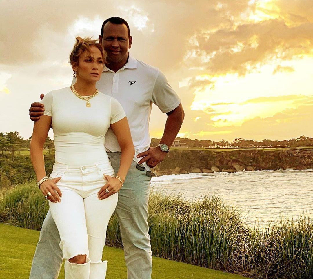 Jennifer Lopez mặn nồng hạnh phúc bên hôn phu kém 6 tuổi Ảnh 3