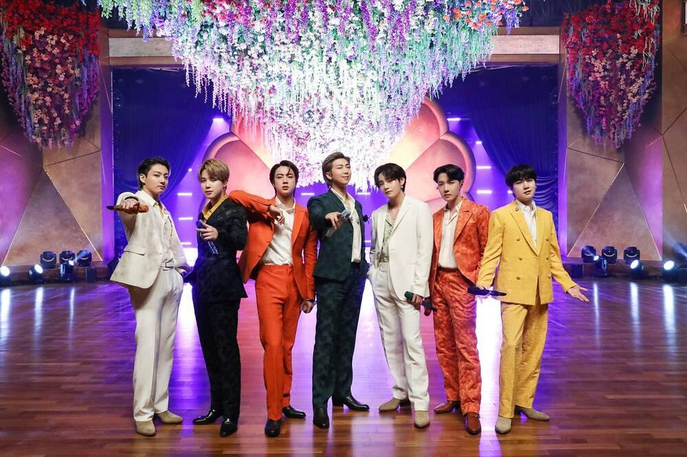 Bị đổ oan 'bão' dislike MV 'Rain On Me' hậu BTS mất giải Grammy, fan đưa ra bằng chứng đính chính sự tình Ảnh 2
