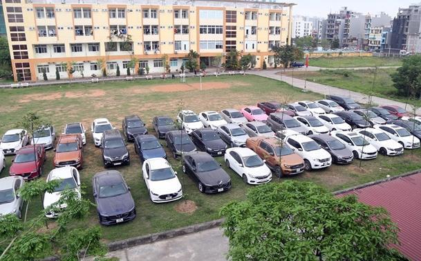 Bắt nhóm làm giả giấy tờ, chiếm đoạt 71 ôtô Ảnh 2