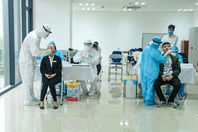 Quận Thanh Xuân chủ động xét nghiệm phát hiện sớm các bệnh trong cộng đồng Ảnh 1