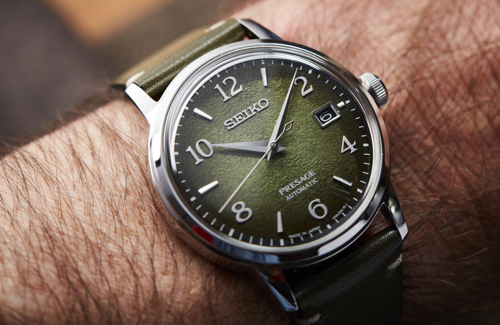 Những mẫu đồng hồ màu xanh độc đáo Ảnh 1