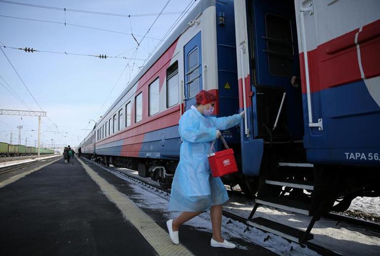 Ghé thăm đoàn tàu tiêm vaccine COVID-19 tại Nga Ảnh 2