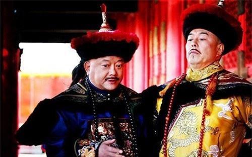 Hoàng đế Càn Long chỉ viết một chữ duy nhất đã đoán được cái kết lăng trì của Hòa Thân? Ảnh 1