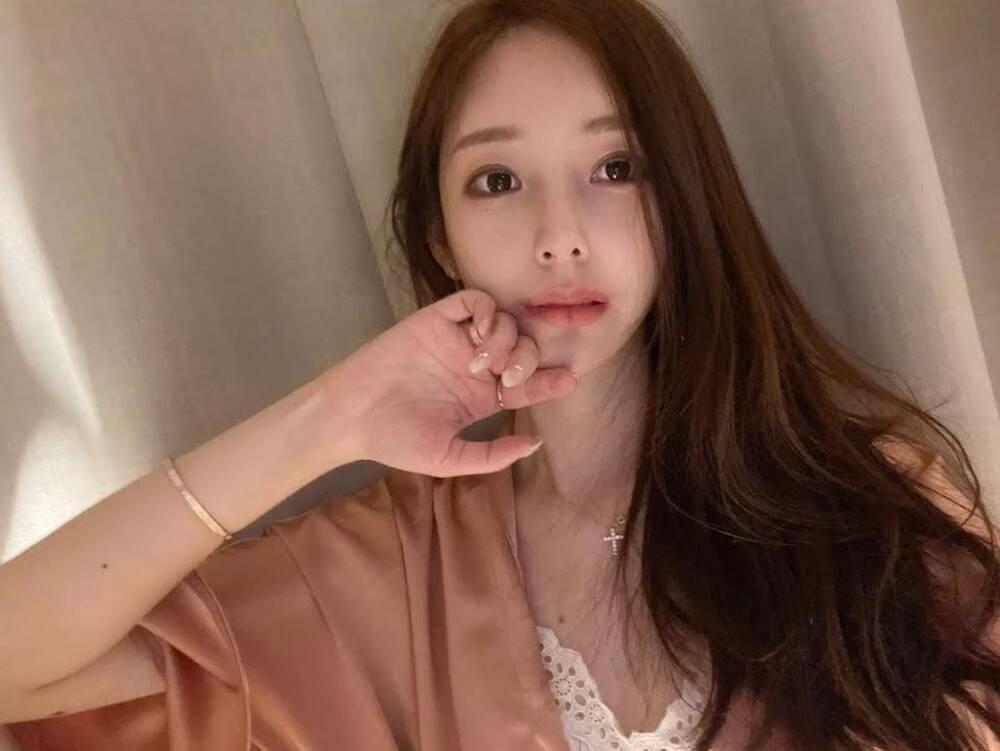 Fans lo lắng cho sức khỏe tâm lý của tác giả True Beauty: 'Nếu tôi ra đi, mọi người sẽ vui vẻ hơn' Ảnh 7