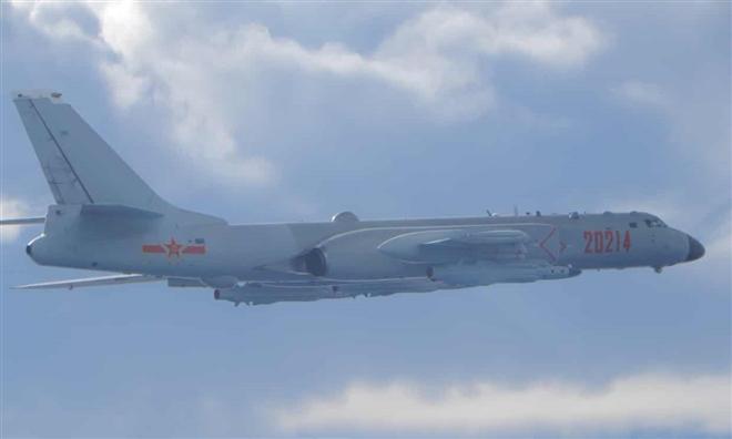 20 máy bay quân sự Trung Quốc áp sát Đài Loan Ảnh 1