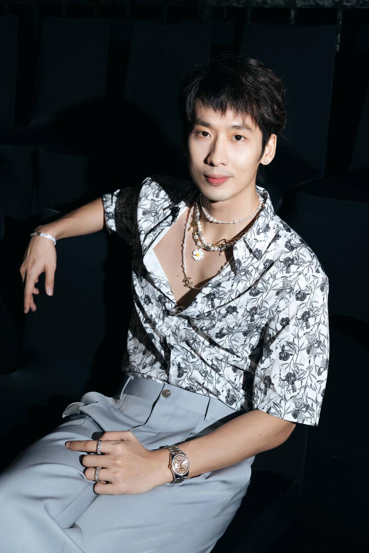 Vắng Trấn Thành, Hari Won ăn diện gợi cảm, được Tuấn Trần chăm sóc từng tí một Ảnh 9