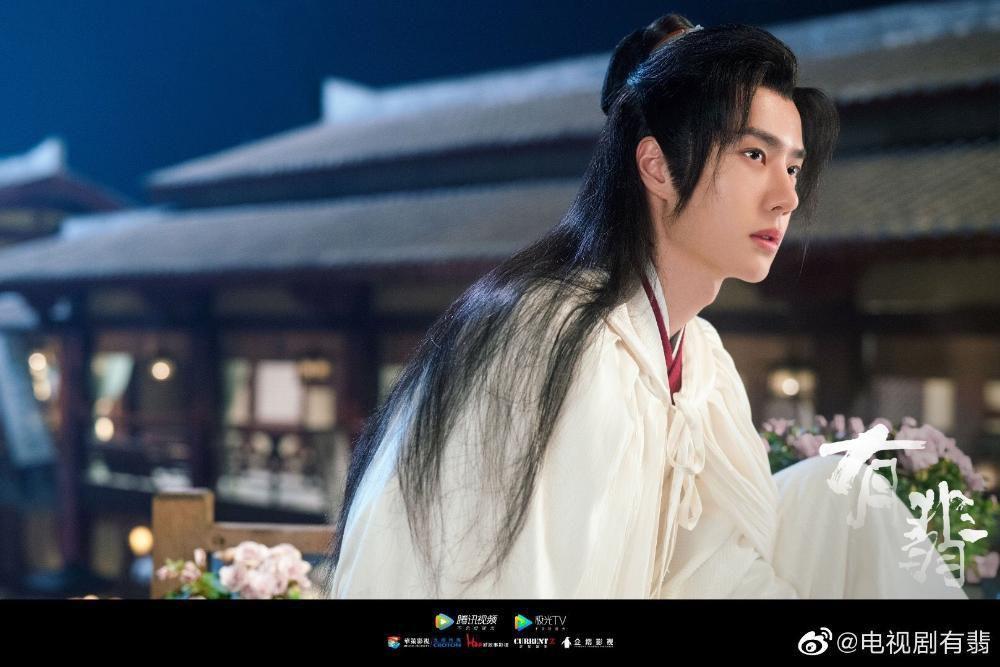 10 diễn viên là 'ông Hoàng bà Hậu' của Cbiz (P1): Vương Nhất Bác toàn năng, Dương Mịch - Lệ Dĩnh thì sao? Ảnh 9