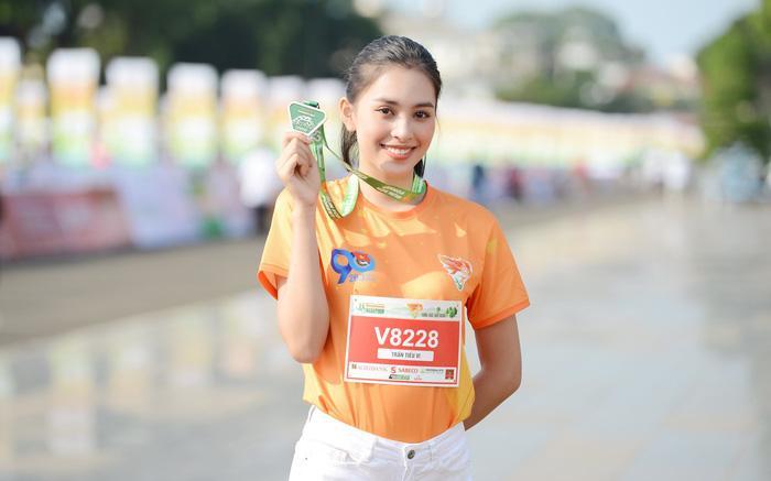 Hoa hậu Tiểu Vy, Đỗ Thị Hà tham gia giải chạy marathon tại Gia Lai Ảnh 1