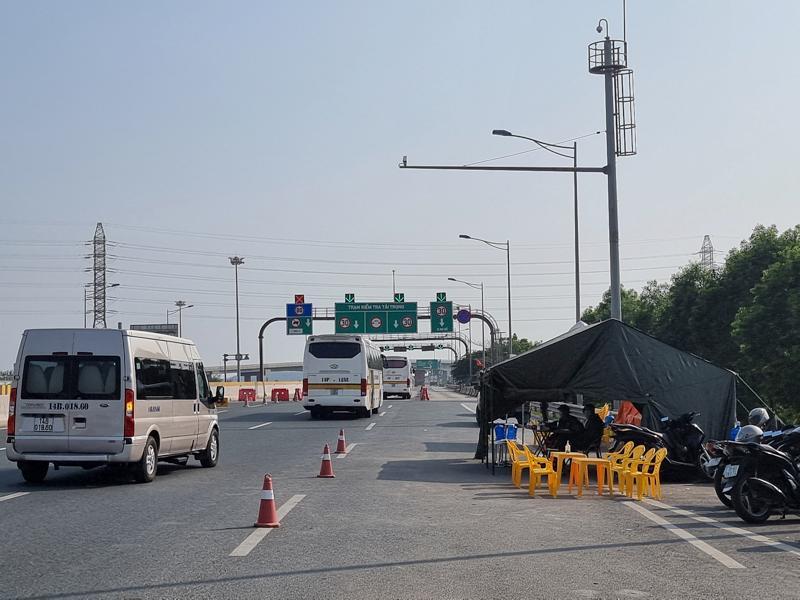 Quảng Ninh mở lại vận tải khách liên tỉnh với Hải Dương Ảnh 1